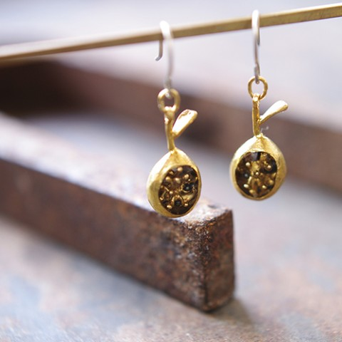 【thuthu appetizing accessories】蜜くるみピアス